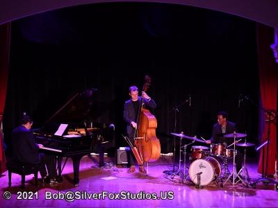 2021-10-02  Alex Minasian Trio